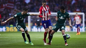 Две греди и две нули между Атлетико Мадрид и Бетис (видео)