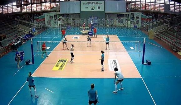 """Зала """"Христо Ботев"""" се преобрази заради волейболните националки"""