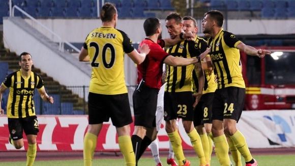 Полицията взима мерки за осигуряването на реда по време на мача Ботев - ЦСКА-София