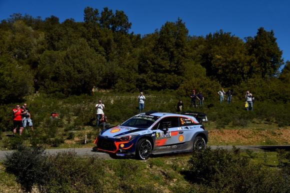 Нювил и подобреният Hyundai оглавиха първия етап от рали Аржентина