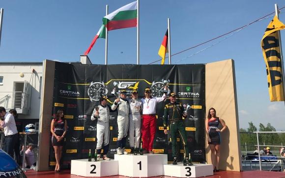 Иван Влъчков спечели и второто състезание в своя клас в GT4 (видео)