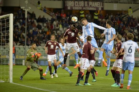 Лацио докосва Шампионската лига, откъсна се на 4 точки пред Интер (видео)