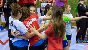 Девойките на България дебютираха с инфарктна победа (видео)