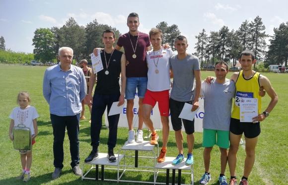 Стоян Владков и Моника Георгиева са най-добрите бегачи в Луковит
