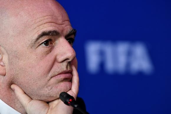 ФИФА подготвя амбициозни проекти за нови турнири
