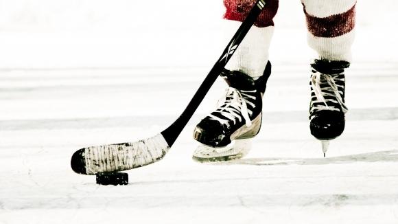 Наказаха млади шведски хокеисти