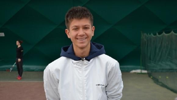 Иван Пенев се класира на четвъртфинал в Китай