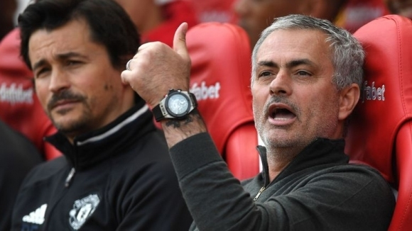Спрягат и асистента на Моуриньо за Арсенал, Специалния няма нищо против