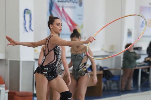България грабна отборния златен медал в Корбей Есон