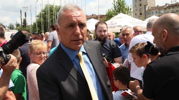 Стоичков посети мач в Украйна, дава открит урок по футбол