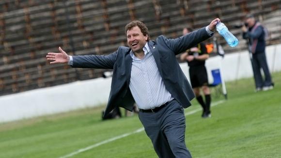 Вили Вуцов се завърна в родния футбол