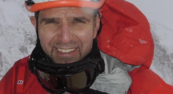 Шерпите, които издирват изчезналия алпинист Боян Петров, са достигнали до лагер 1