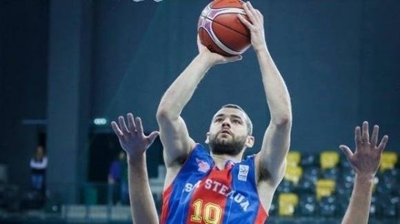 Стяуа на Павел Маринов със загуба в плейофите на Румъния