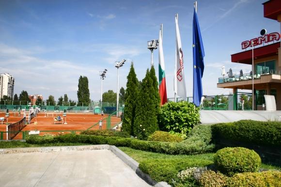 Шест турнира в петото издание на Тенис верига 17+