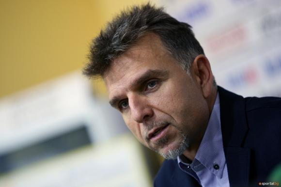 Административни пречки бавят спасителните хеликоптери за Боян Петров