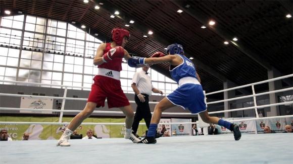 И младежите с победи на боксовия турнир в Испания