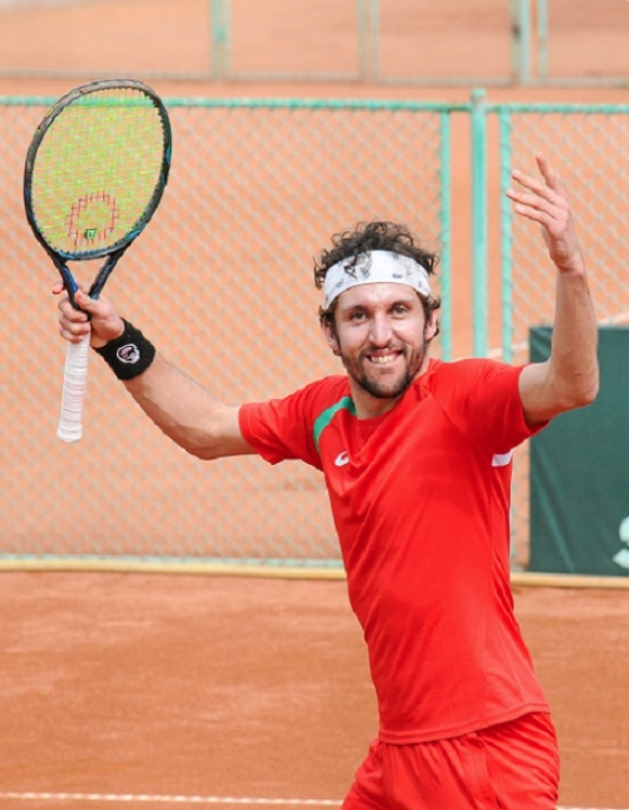 Васко Младенов се класира на финал на двойки в Тунис