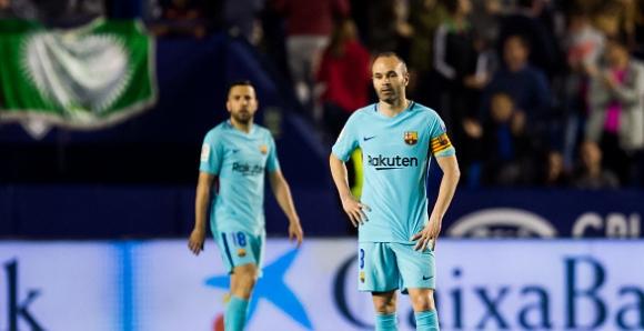 Лудост! Пет гола във вратата на Барса и край на рекордната серия! (видео + галерия)