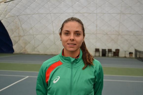 Виктория Томова стартира с победа във Франция