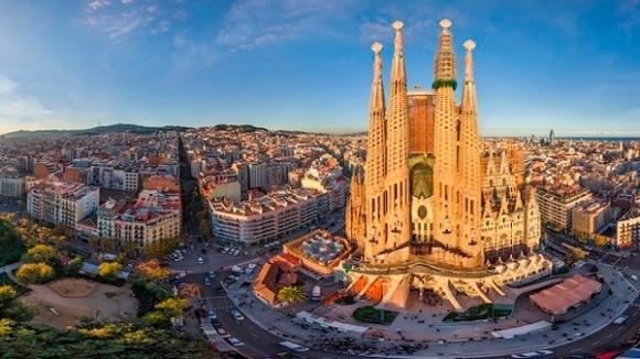 Последни 8 дни, в които можеш да спечелиш безплатно пътуване и 2 билета за мач на ФК Барселона от играта на Roca!