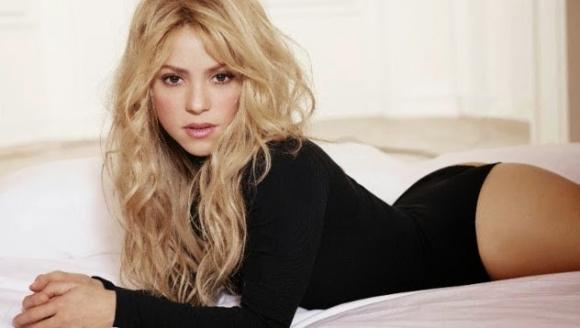 Шакира изуми с гъвкавост (видео)