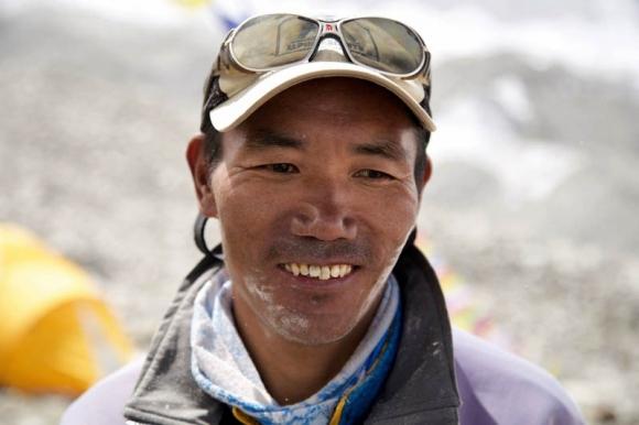 Шерпът Ками Рита стъпи за 22-ри път на Еверест