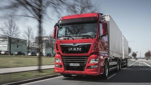 Кой казва, че тежките камиони нямат стил?