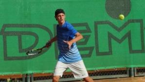 Александър Лазаров стартира с победа в Румъния