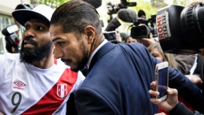 Инфантино отряза Паоло Гереро