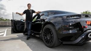 Марк Уебър разказва какво е да караш Porsche Mission E (видео)