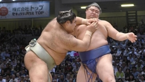 Аоияма с пета поредна победа на Майския турнир по сумо в Токио