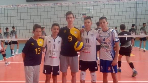 Синовете на четирима волейболни национали спорят на финалите в Дупница