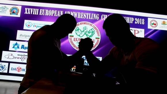 Без медали за България в първия ден на Европейското по канадска борба