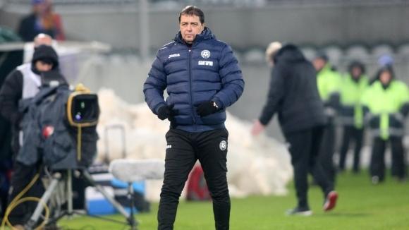 Хубчев предупреди футболистите, които дават оценки на свои съотборници и треньори