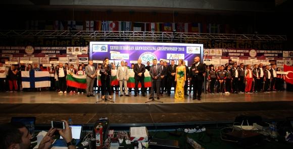 Без медали за България и във втория ден на Европейското по канадска борба