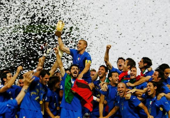 Италия покори света за четвърти път, Франция на Зидан рухна