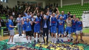 НКП: Честито, сини шампиони!