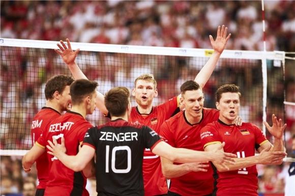 Германия изненада Полша за първата им загуба (видео + снимки)