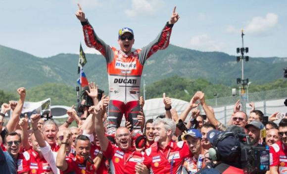 Горчивата победа на Лоренсо в Италия не променя плановете му в MotoGP