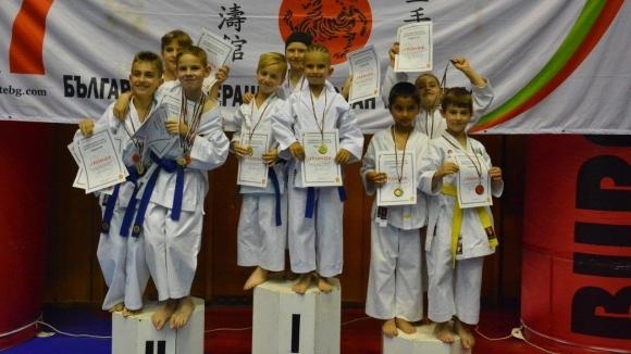Габрово прие национално първенство и изпит за съдии по шотокан карате-до