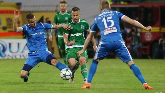 Ботев (Пловдив) следи ситуацията с Вутов