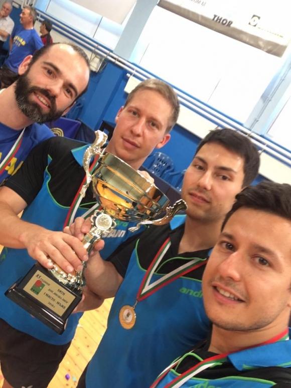 Кметът на Русе връчи парична премия на спортен клуб по тенис на маса Дунав
