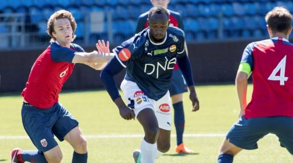 Болт дебютира за футболен клуб от Норвегия (видео)