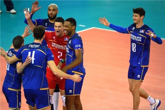 Франция с бърза победа над Република Корея (видео + снимки)