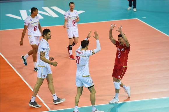 Франция загря за България с бърза победа над Сърбия