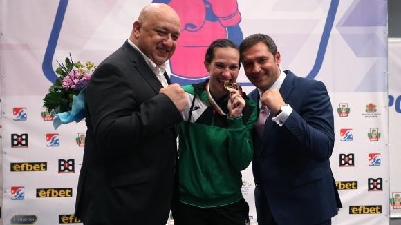 България спечели три златни медала на Европейското по бокс