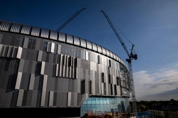 Тотнъм открива новия стадион срещу Ливърпул