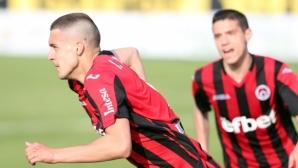 Локо (Сф) чака Левски и Славия за трима футболисти