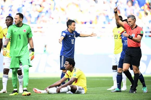 Червеният картон на Карлос Санчес е вторият най-бърз в историята на Мондиалите