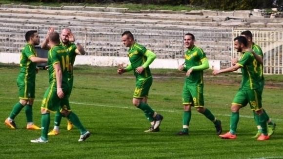 "Ремонтират стадион ""Дружба"" в Добрич"